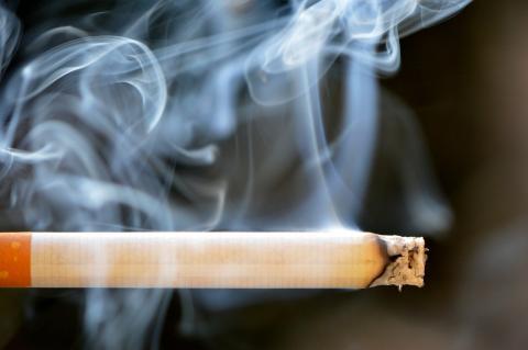 astmatický randění s kuřákem