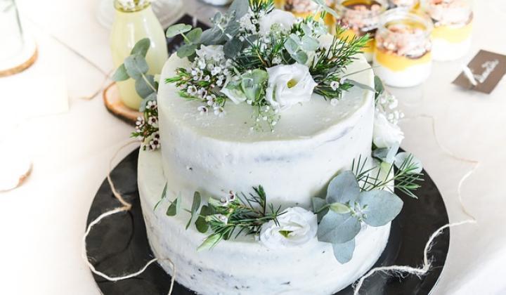 Jak potahovat dort cukrářskou potahovací hmotou
