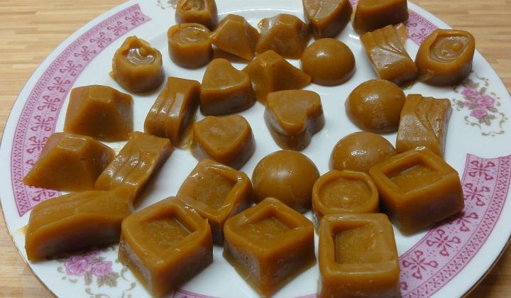 Jak připravit domácí karamel a smetanové karamelky | recept